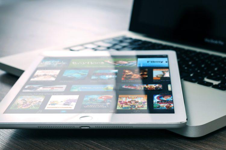 Tablet und Macbook