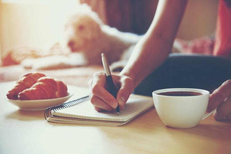 Morgens lernen am Frühstückstisch