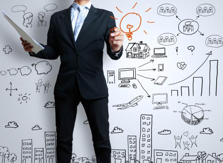 Unternehmer erstellt einen Businessplan